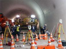 トンネル舗装工事(山形県)