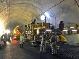 トンネル内Co舗装
