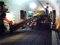トンネル内コンクリート舗装